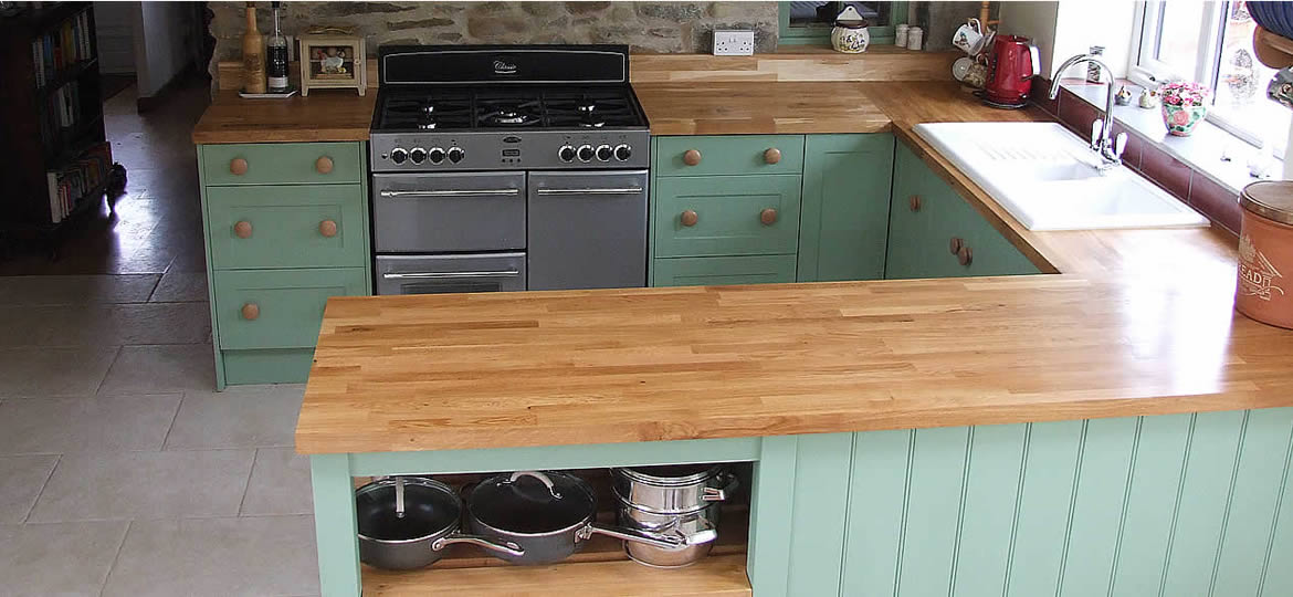 Painted Shaker Kitchen in Farrow & Ball Breakfast Room Green