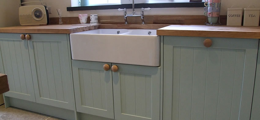 Painted tongue & groove Shaker Kitchen incorporating double bowl belfast sink