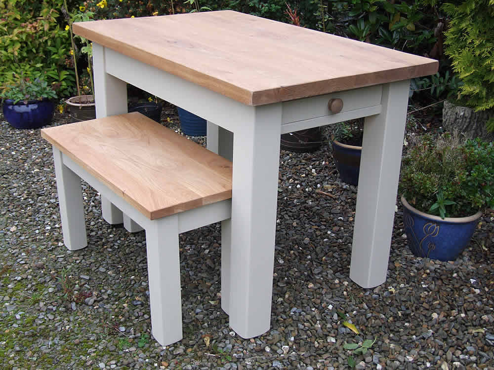 Farmhouse Dining Tables with Square Legs
