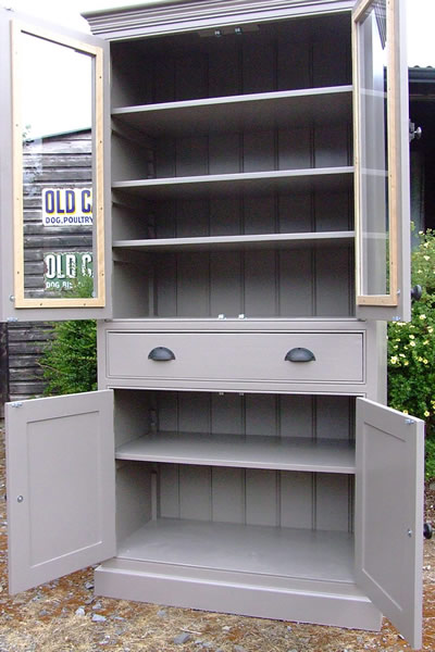 Freestanding larder cupboard with fully adjustable shelves