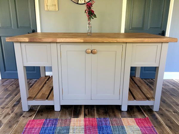 Freestanding kitchen island with 40mm thick oiled oak worktop
