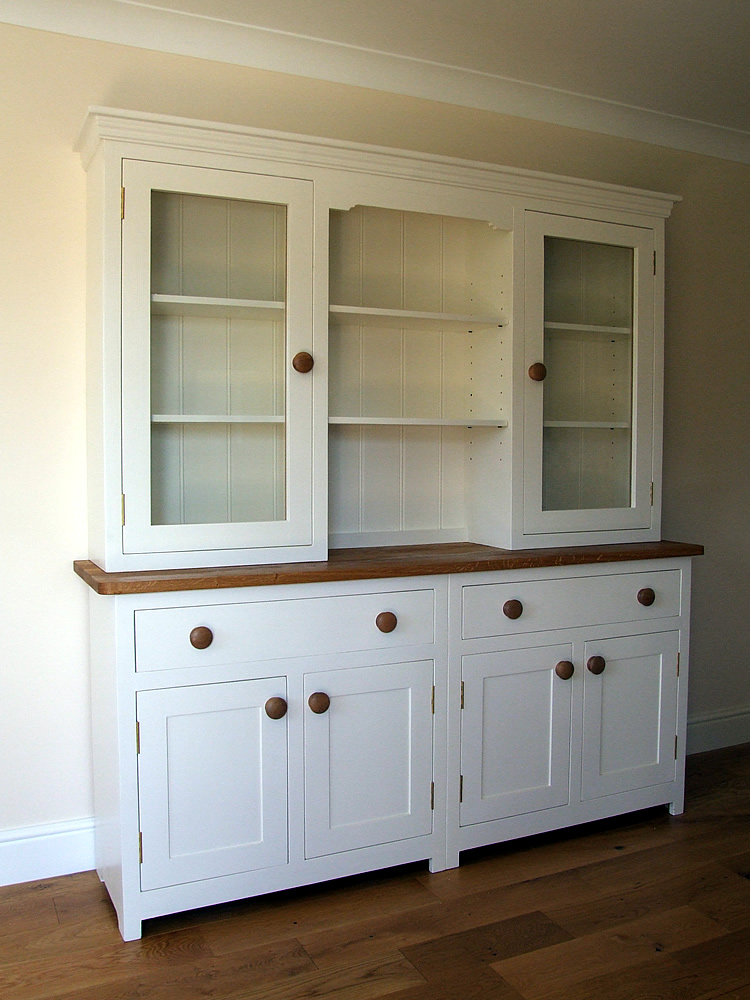 Large Shaker kitchen dresser incorporating glazed top doors fitted with fully adjustable shelves