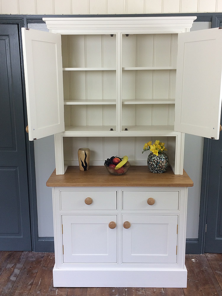 Small kitchen dresser fitted with fully adjustable shelves