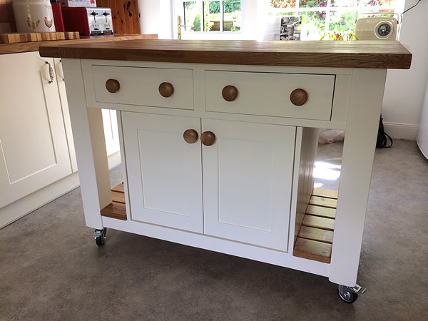 Freestanding Kitchen Island Fitted with Locking Castors
