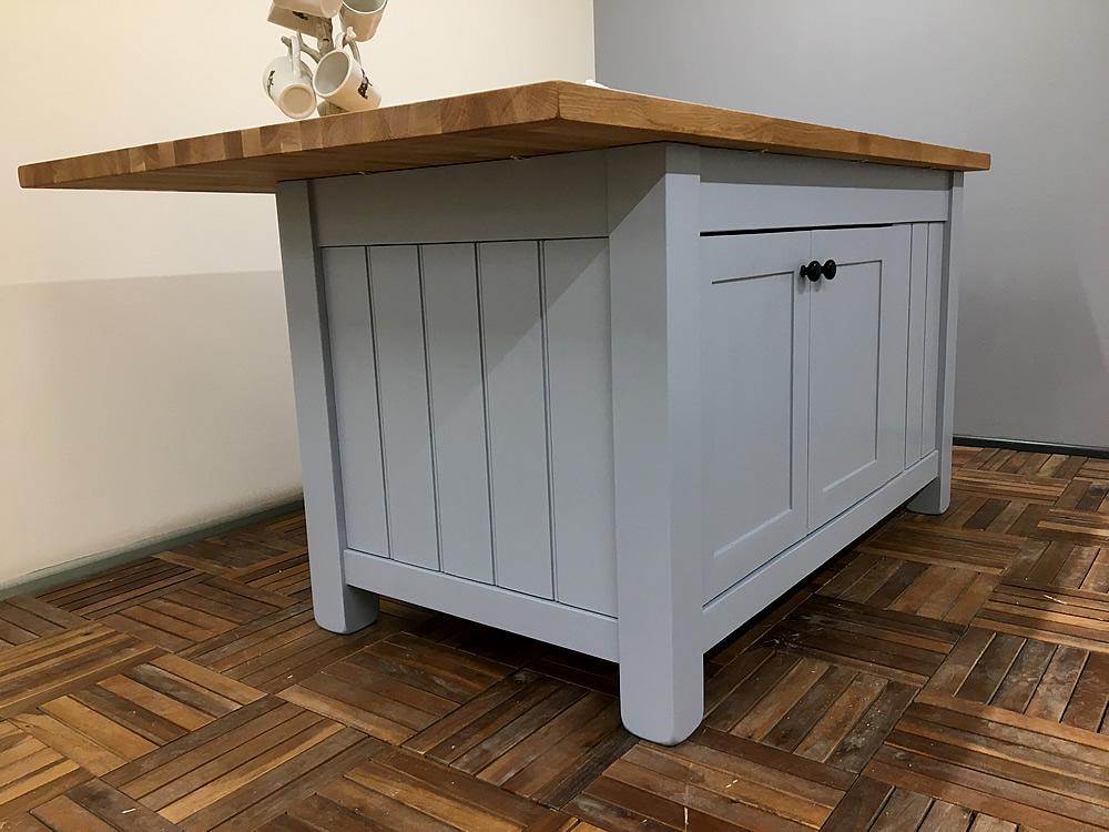 Freestanding Kitchen Island With Double Cupboard U0026 3 Drawers