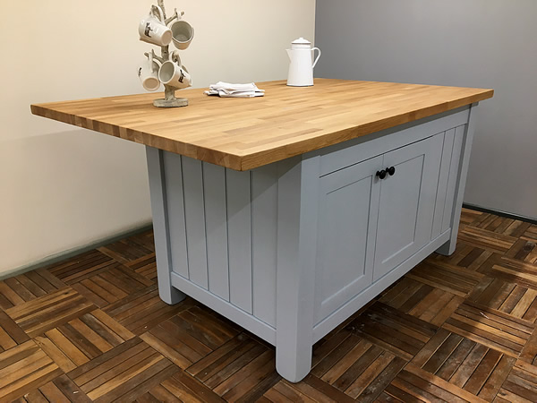Freestanding Kitchen Island with Double Breakfast Bar