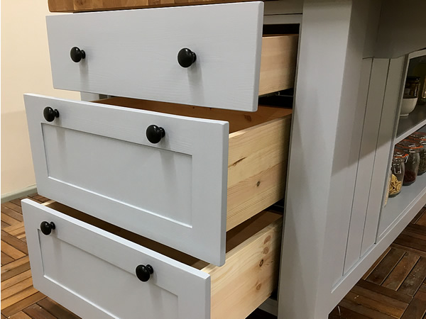 Freestanding Kitchen Island with 3 Pull-out Drawers