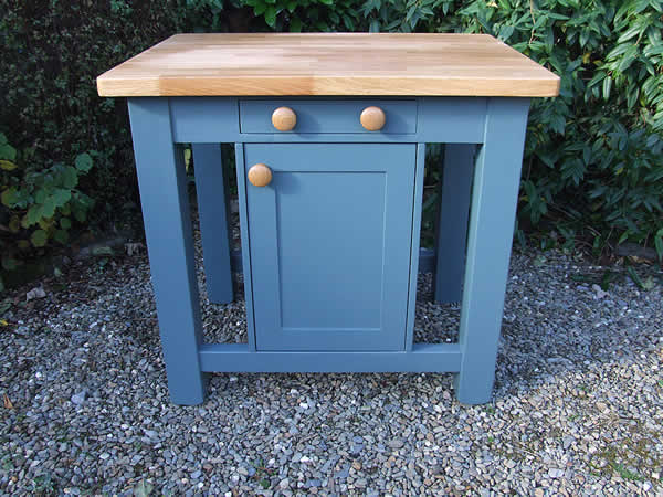 Small freestanding kitchen island in farrow & ball inchyra blue - front view