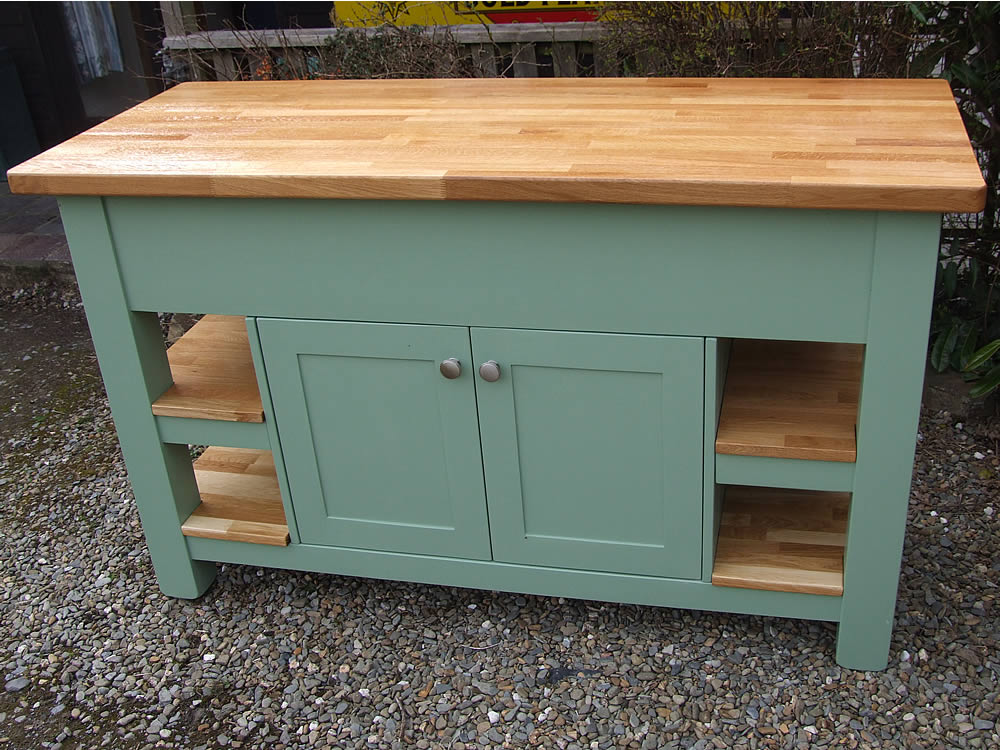 Medium freestanding kitchen island with 40mm oak worktop in Farrow & Ball Breakfast Room Green