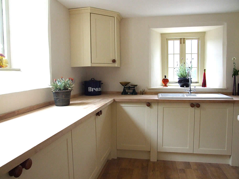 cream kitchen cabinet doors painted shaker kitchens made in wales colin spicer 6277