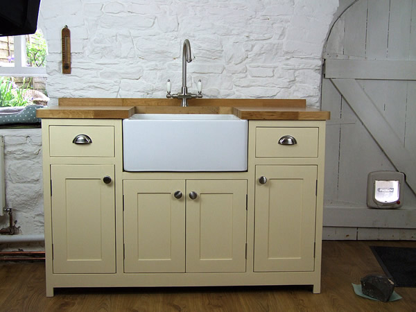 Freestanding Befast sink unit hand-painted in Dulux Heritage Cream
