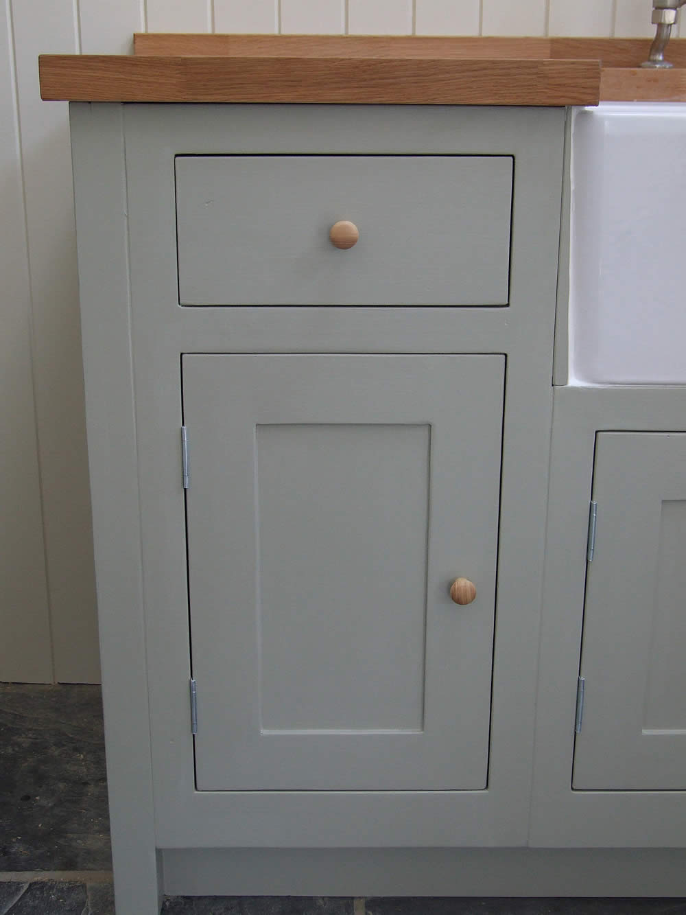 Painted Shaker drawer line kitchen cupboard